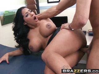 Brazzers - Doctors Adventure - Kiara Mia Danny Congeries - Acquiring A Hot Medic Off
